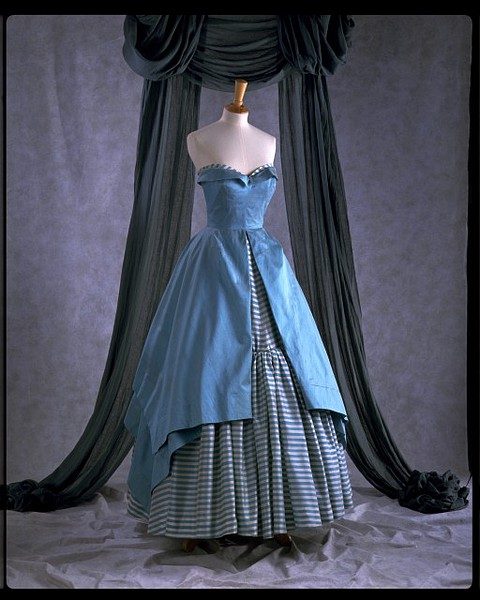 Victor Stiebel dress on display at the V&A's Ballgowns exhibition