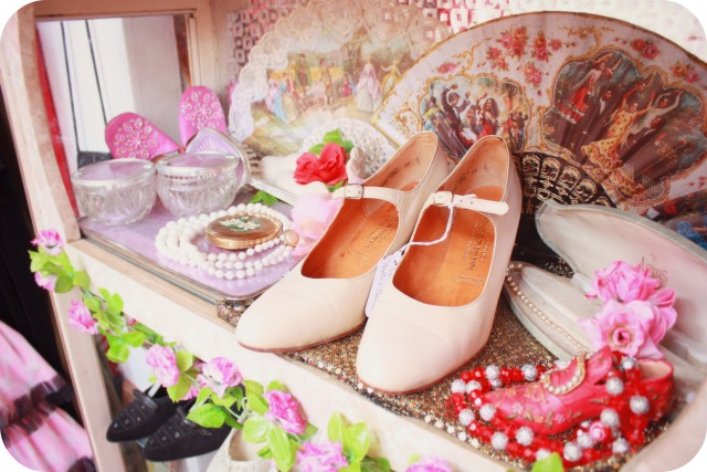 Vintage pale pink shoes