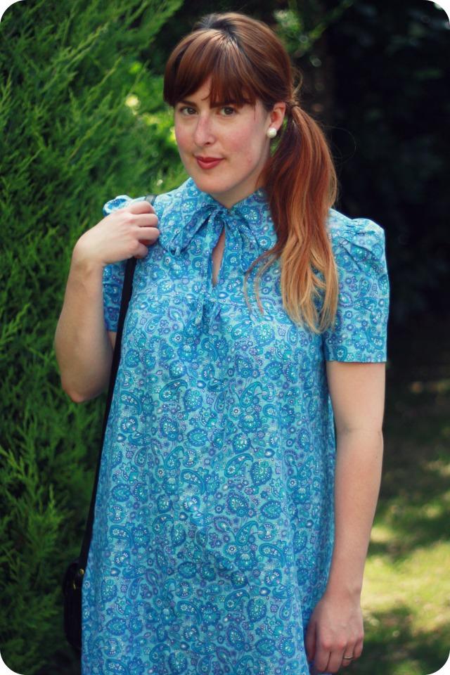 Peter pan collar blue vintage smock dress