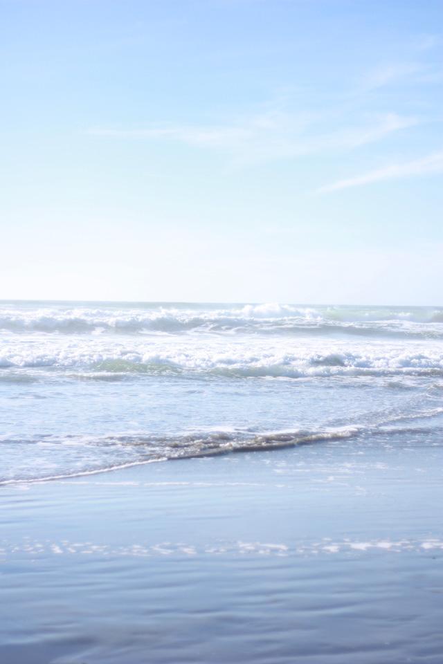 Gentle waves at Ocean Beach